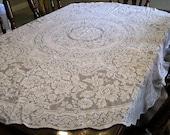 Vintage tablecloth Quaker lace Ecru  70X66 oval