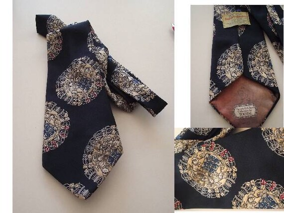 Vintage Necktie Tie TOOTAL English Embroidery Victoria & Albert Museum Collection London