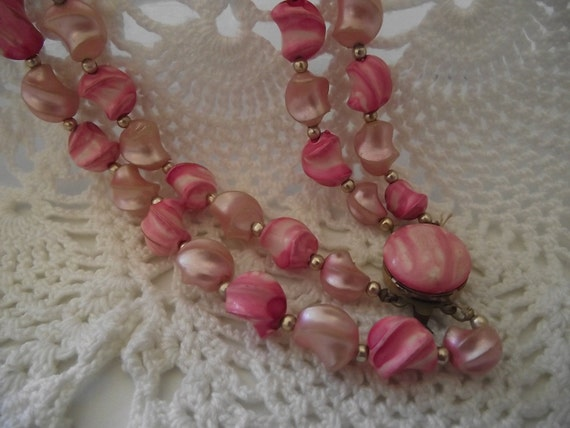 Vintage Necklace double pink pearl swirl beads