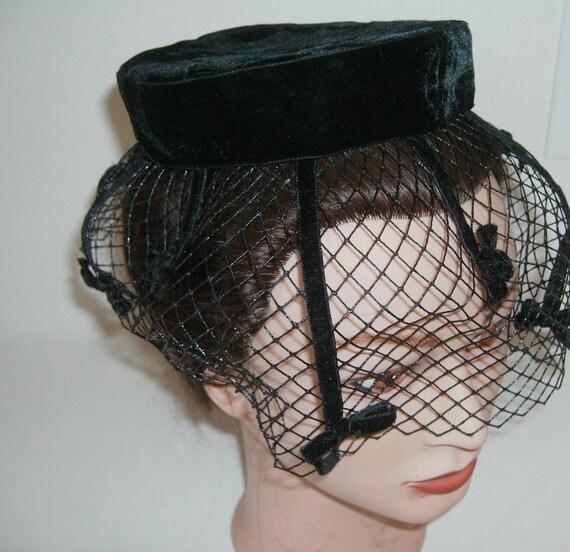 Vintage Ladies Hat fascinator Black veil pillbox