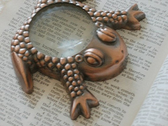 Vintage Frog Magnifying Glass Copper paperweight dome magnifier glasses