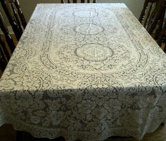 Vintage tablecloth Quaker lace Ecru  ivory 70 X 100 oval