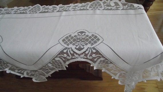 "Vintage Lace Mantle Runner White Buffet Bride table tablecloth 92"" Long"