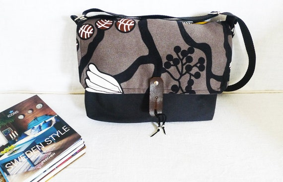 Cute Messenger Bag - Black Flower Pattern Canvas Single Strap Shoulder bag / Cross Body Messenger  / School / Travel / Laptop bag