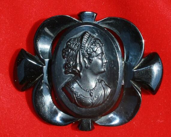 Vintage Black Bakelite Cameo Brooch or Pin