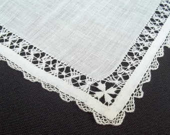 Exquisite Linen Handkerchief Hankie Hanky Drawnwork and Crochet Lace Edge Mint With Tag