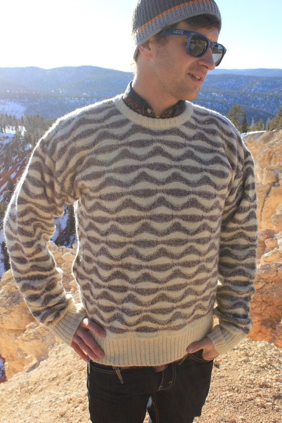 Wolf in Sheep's Clothing - Vintage 80s Wool Indie Sweater, Wavy Lines, Medium