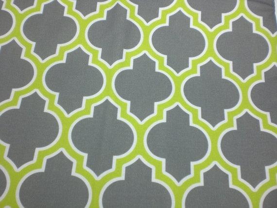 Moroccan Lattice Quatrefoil Fabric Quarter - gray