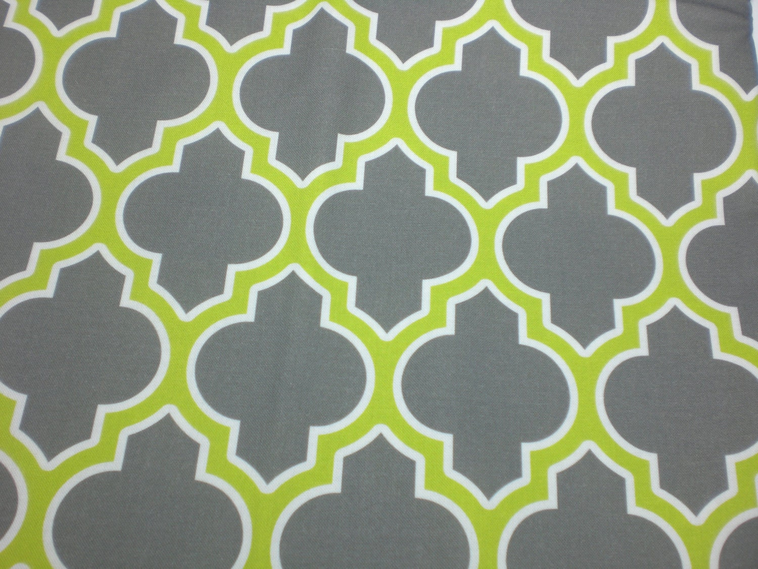 Moroccan Lattice Quatrefoil Fabric Quarter Gray
