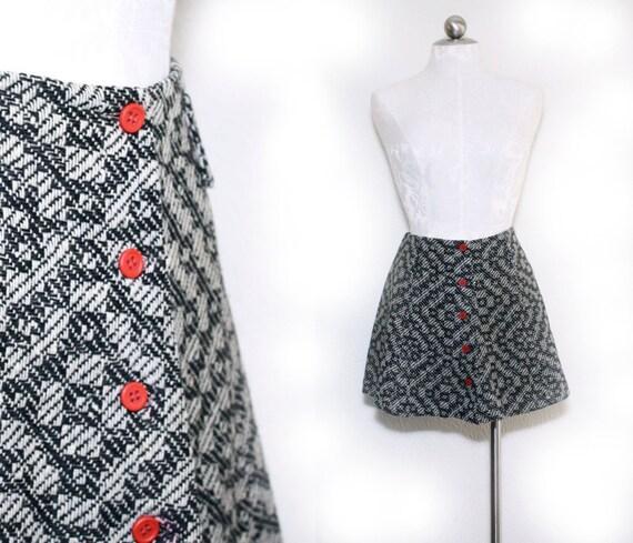 geometric woven wool mini skirt / red button front / womens size medium