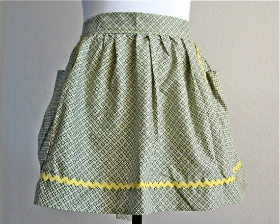 Alice Green and Yellow Vintage Inspired Hostess Half Apron