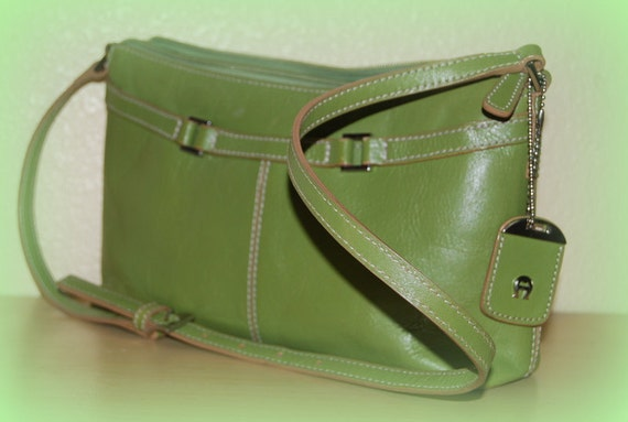 Bright vintage purse Fall Fashion Vintage green leather purse handbag by Etienne Aigner.  Fab autumn.  Ready to ship from Colorado USA