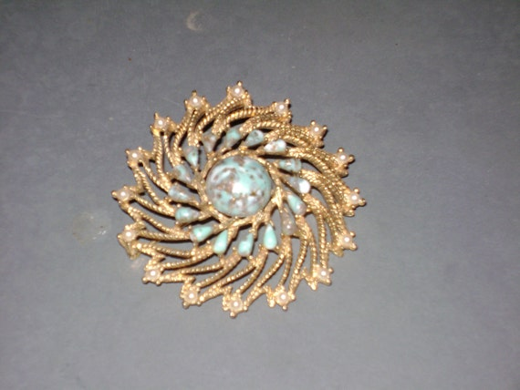 Antique Vintage Jewerly Sarah Coventry Brooch Pin Faux Tourquoise Pearl Gold