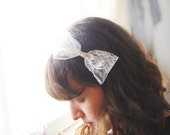 Large lace bow headband - romantic cream bow on a golden headband, kawaii bow