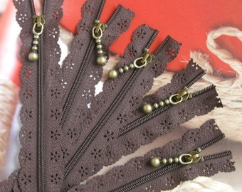 Lace Zippers Supplies Scallop Lace Clothes Purse Bags Coffee Metal Zipper Trim DIY Fabric Crafts Alterations 9 inchs Long 5 pcs