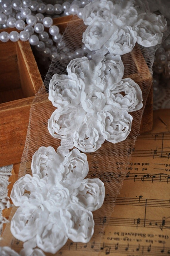 3D Rose Lace Trim Flower Trim White Lace Costume Headware Cosplay Home Decor Supplies D:2.6'' Wide 2 Yards