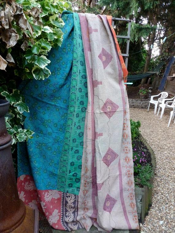 Beautiful  Vintage Kantha quilt, sari throw, indian quilt, gudri, kantha blanket, ralli