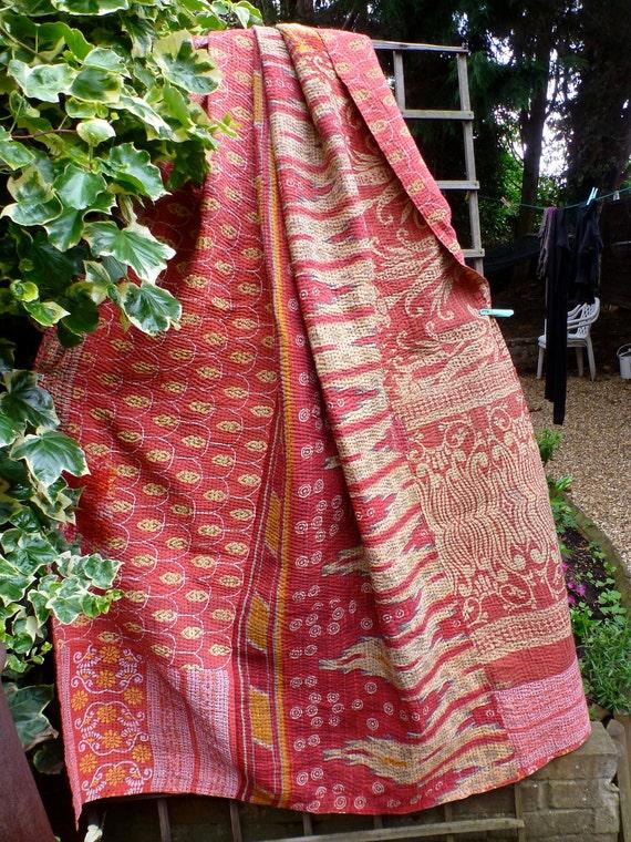 Beautiful  Vintage Kantha quilt, shabby chic, faded,sari throw, indian quilt, gudri, kantha blanket, ralli,kantha blanket