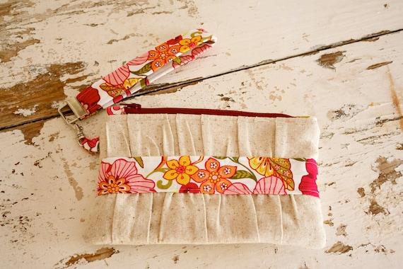 Zippered Wristlet Clutch- Bright Flowers Natural