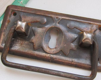 Vintage Key Hole Plate - escutcheon