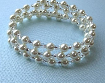 Bridal Bracelet with three rows of pearls and silver beads