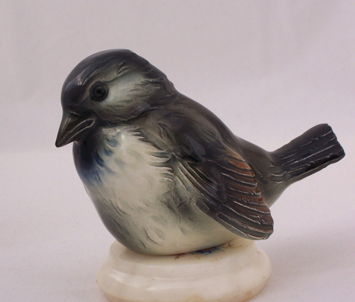 Vintage Goebel Porcelain Bird Figurine Cv73 Sparrow Very