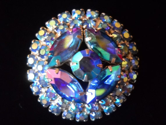 Aurora Borealis rhinestone vintage brooch. Blue green purple.  Excellent condition