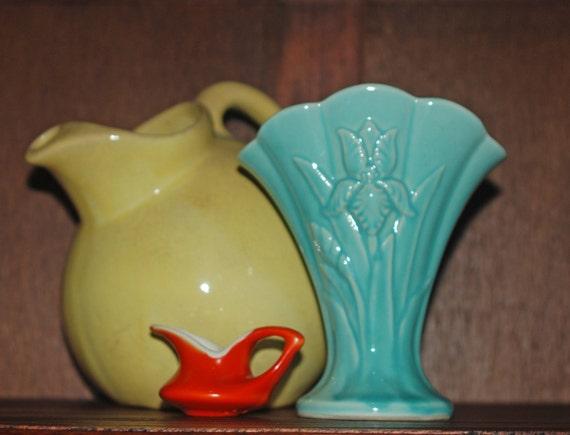 Antique Usa Pottery Iris Fan Vase