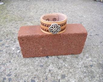 Light to Dark Celtic Knot Wristband