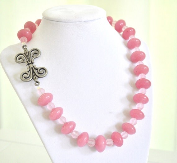 Pink Beaded Necklace Glass Baby Pink Front Closure Necklace