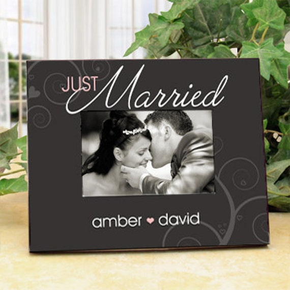 "Wedding Picture Frame for the Bride and Groom : ""Just Married"" with Couple's Names"