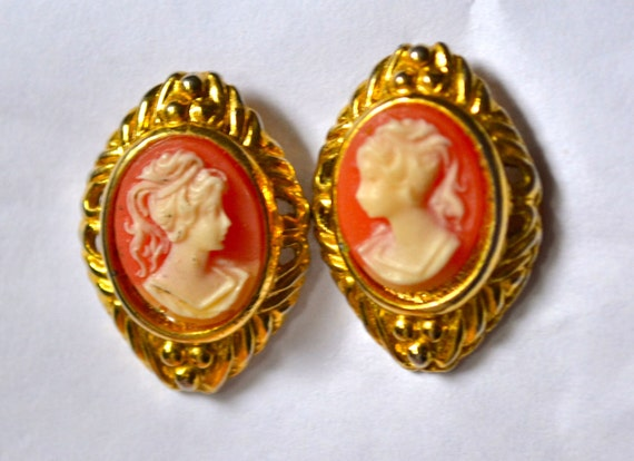 Vintage Pink & White Cameo EARRINGS in Gold Tone, Victorian Style, Overstock Sale, Item No. B353