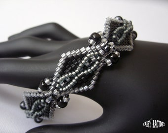 Black Swan  - Cuff/Bracelet PDF Pattern peyote/brick stitch
