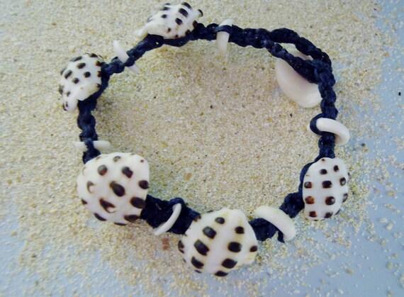Drupe shell macramé surfer friendship bracelet - Hawaiian seashell jewelry