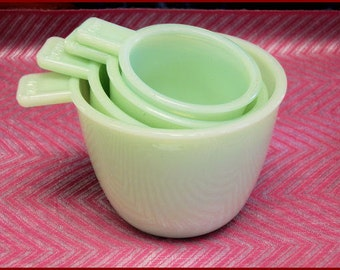 "Retro ""Look""  Mint green Measuring Cups"