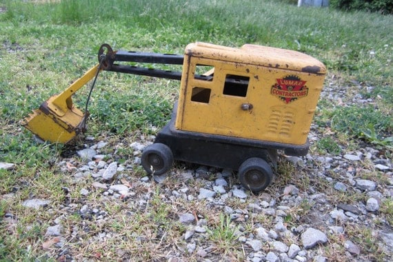 Vintage Toy Steam Shovel All Metal Rusted and Salvaged Marx Lumar Toy Construction