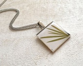 Pressed Leaves Pendant - grass in Epoxy Resin - gift for nature lovers