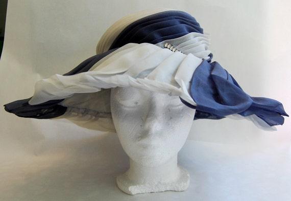 Vintage 1950s Fabulous Women's Wide Brim Hat by PAULETTE Great Condition