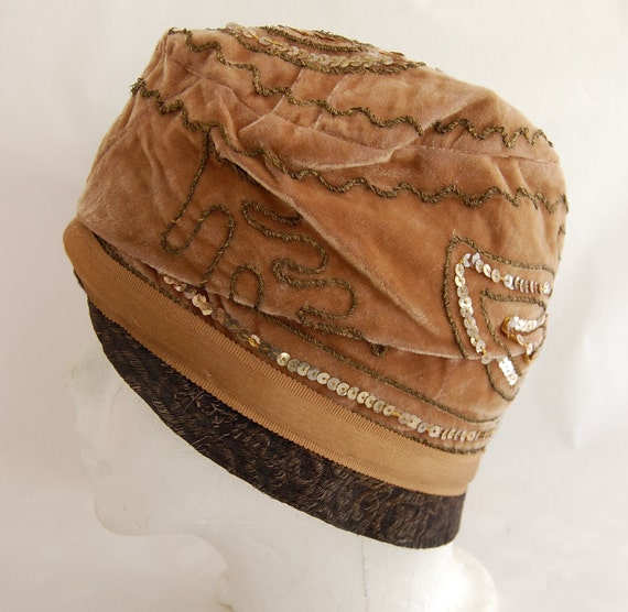 RESERVED FOR CINDI Vintage 1920s Women's Sequined Light Brown Velvet Flapper Style Hat