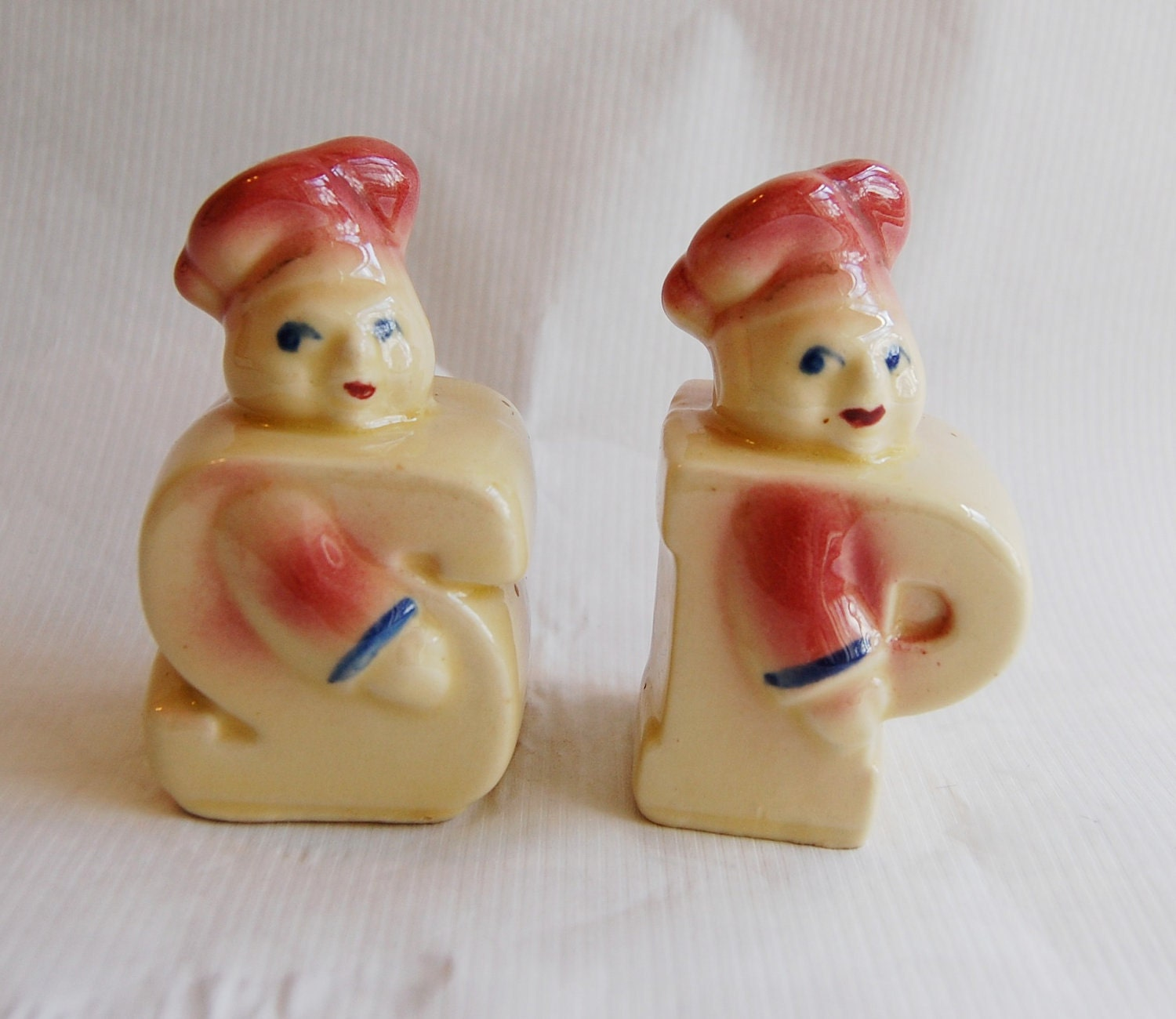 Vintage 1940s 1950s Shawnee Pottery Chef Salt And Pepper