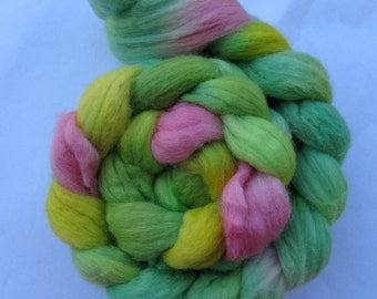 My Heart Belongs to Piggy Polwarth Spinning Top (roving) 4.2 oz Free U.S. Shipping