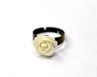 Rose Ring - Cream