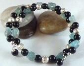 Natural blue apatite, black onyx and sterling silver memory wire bracelet