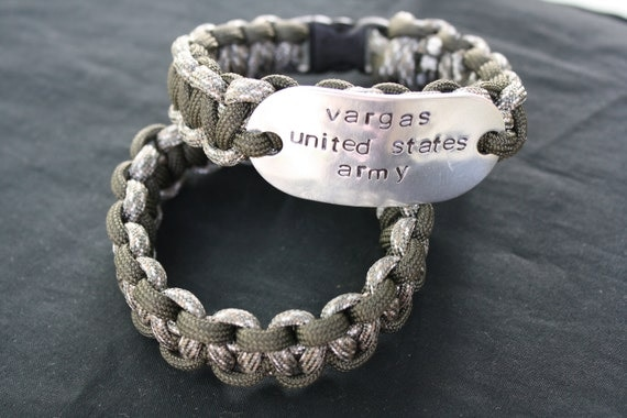 Paracord Bracelet With Personalized Dogtag