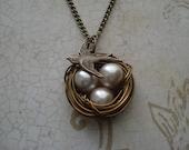 Ecru Pearl Bird's Nest Necklace