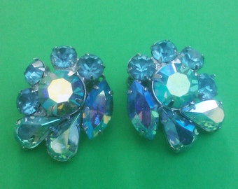 Vintage 1960s DeLizza and Elster  Blue Rhinestone Clip Earrings Signed TARA
