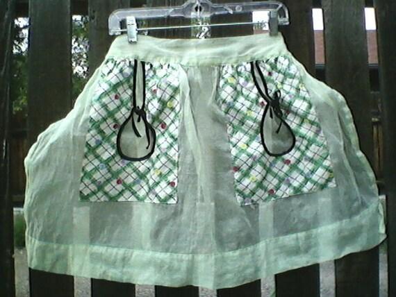 Vintage 1940s Apron- Green Organdy Handmade/ Rockabilly/ Housewife/ VLV