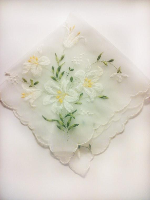 Vintage 1950s Handkerchief/ Hankie / Embroidered Lillies/Flower