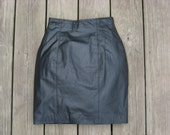 SALE- Vintage high-waisted Byrnes and Baker genuine leather pencil skirt size 2 / extra small