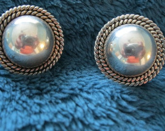 Sterling silver earrings - Style is timeless -